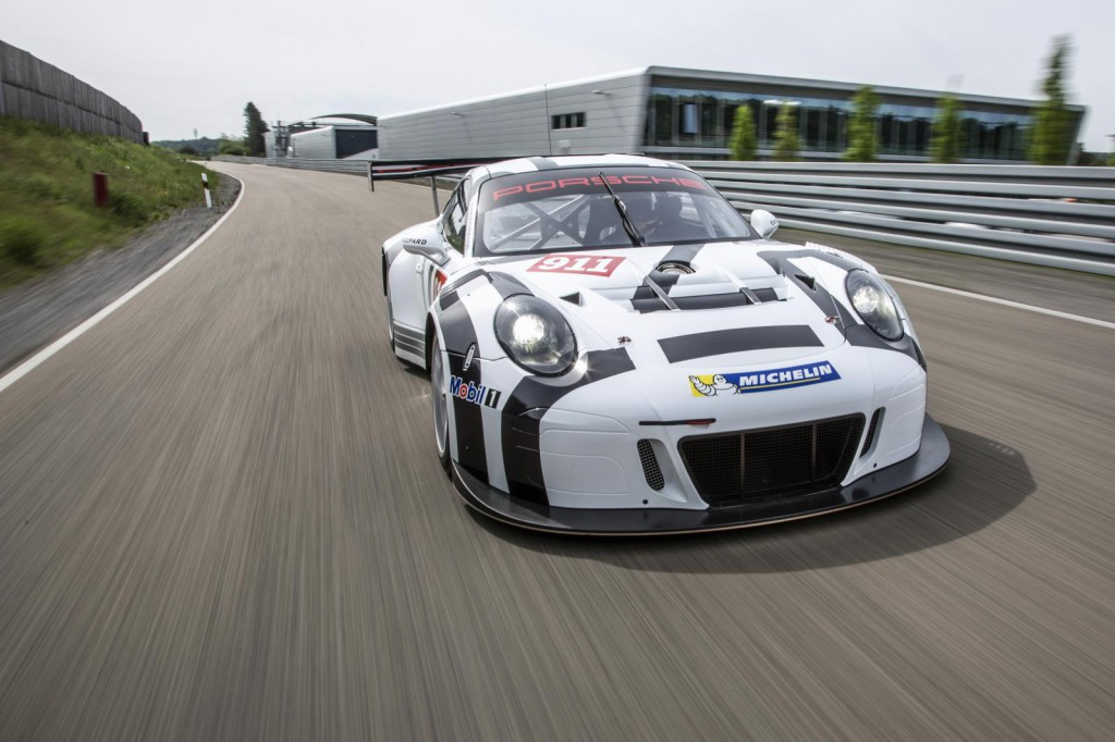 2016-porsche-911-gt3-r-is-the-awesome-racing-version-of-the-911-gt3-rs-costs-half-a-million-euro_4