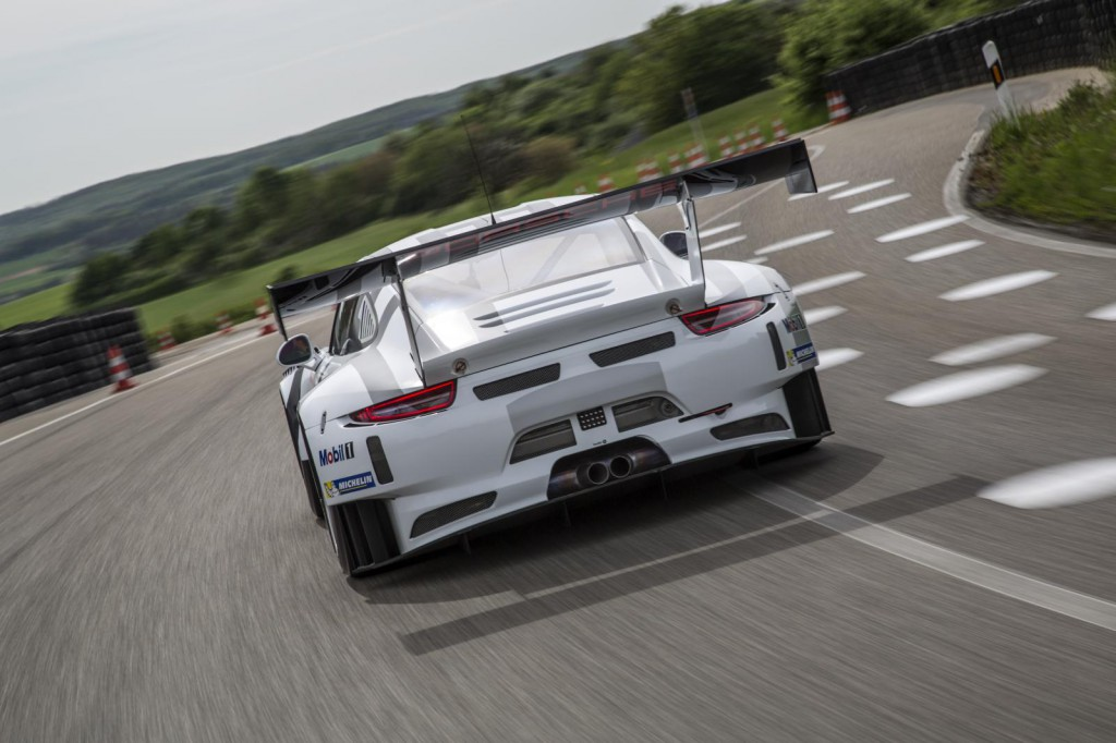 2016-porsche-911-gt3-r-is-the-awesome-racing-version-of-the-911-gt3-rs-costs-half-a-million-euro_6