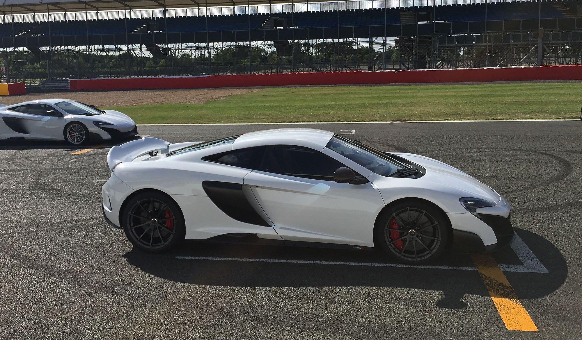 McLaren-675LT05