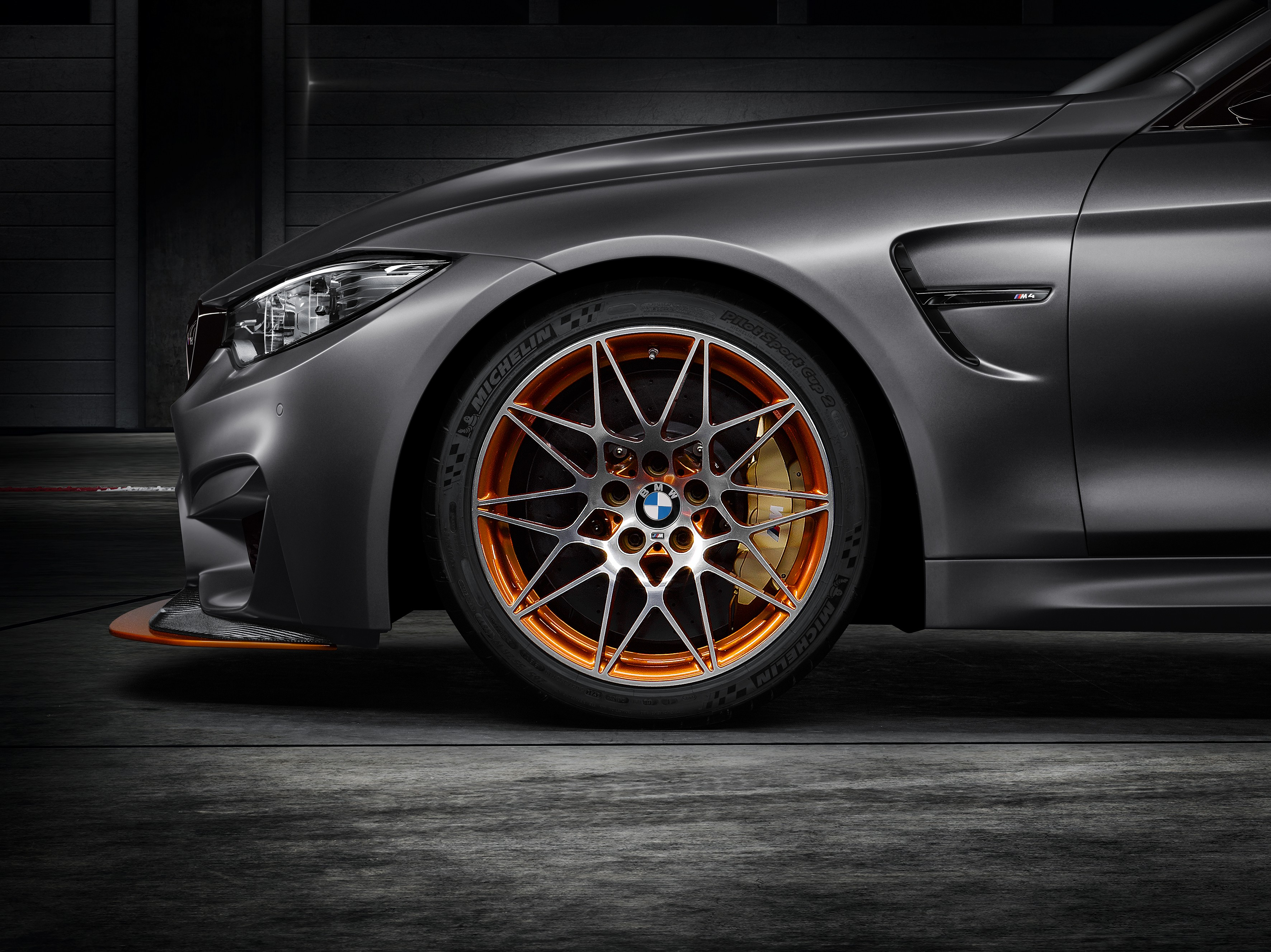 bmw-concept-m4-gts-makes-world-debut-at-pebble-beach-with-oled-lighting-photo-gallery_11