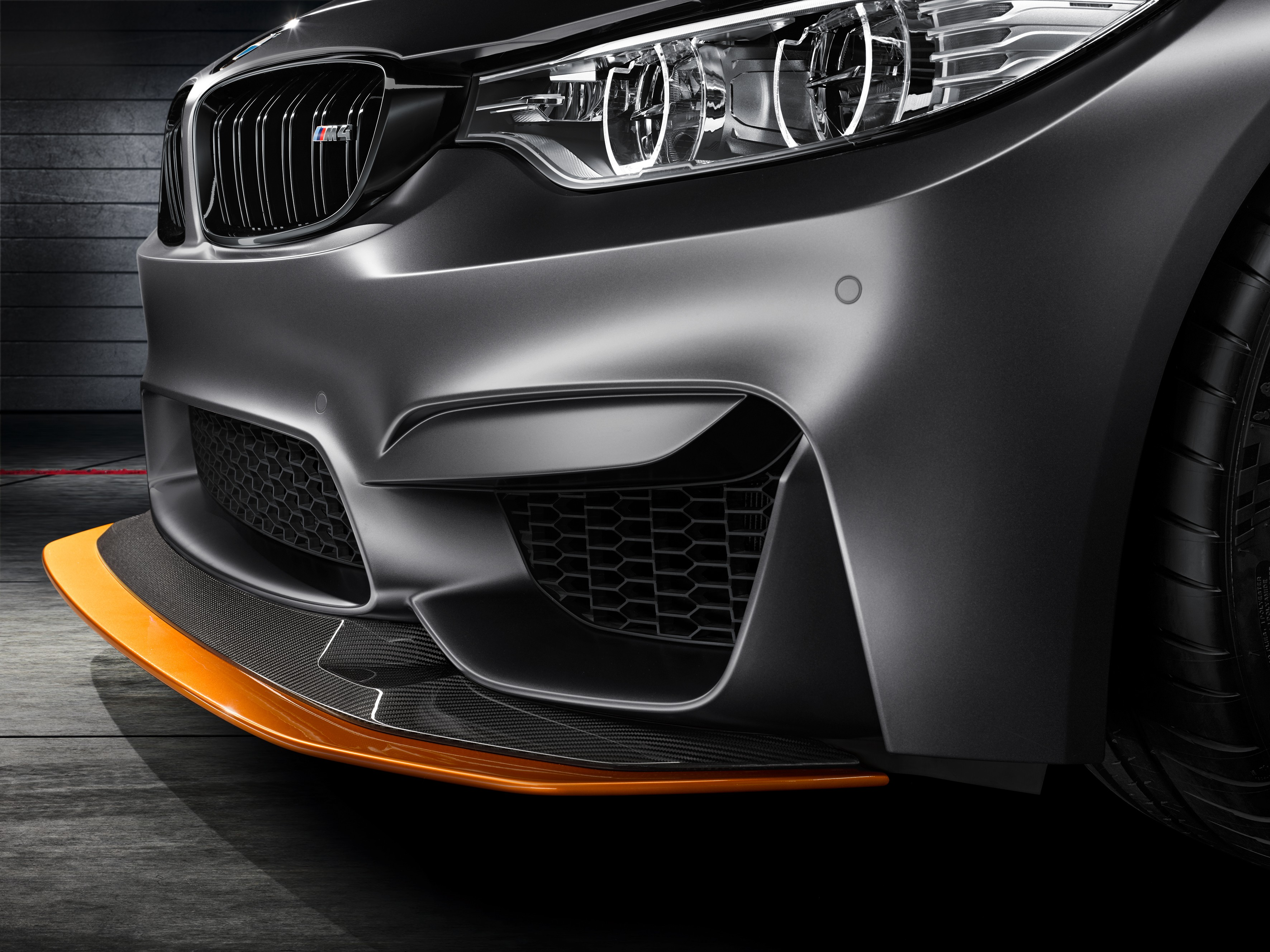 bmw-concept-m4-gts-makes-world-debut-at-pebble-beach-with-oled-lighting-photo-gallery_12
