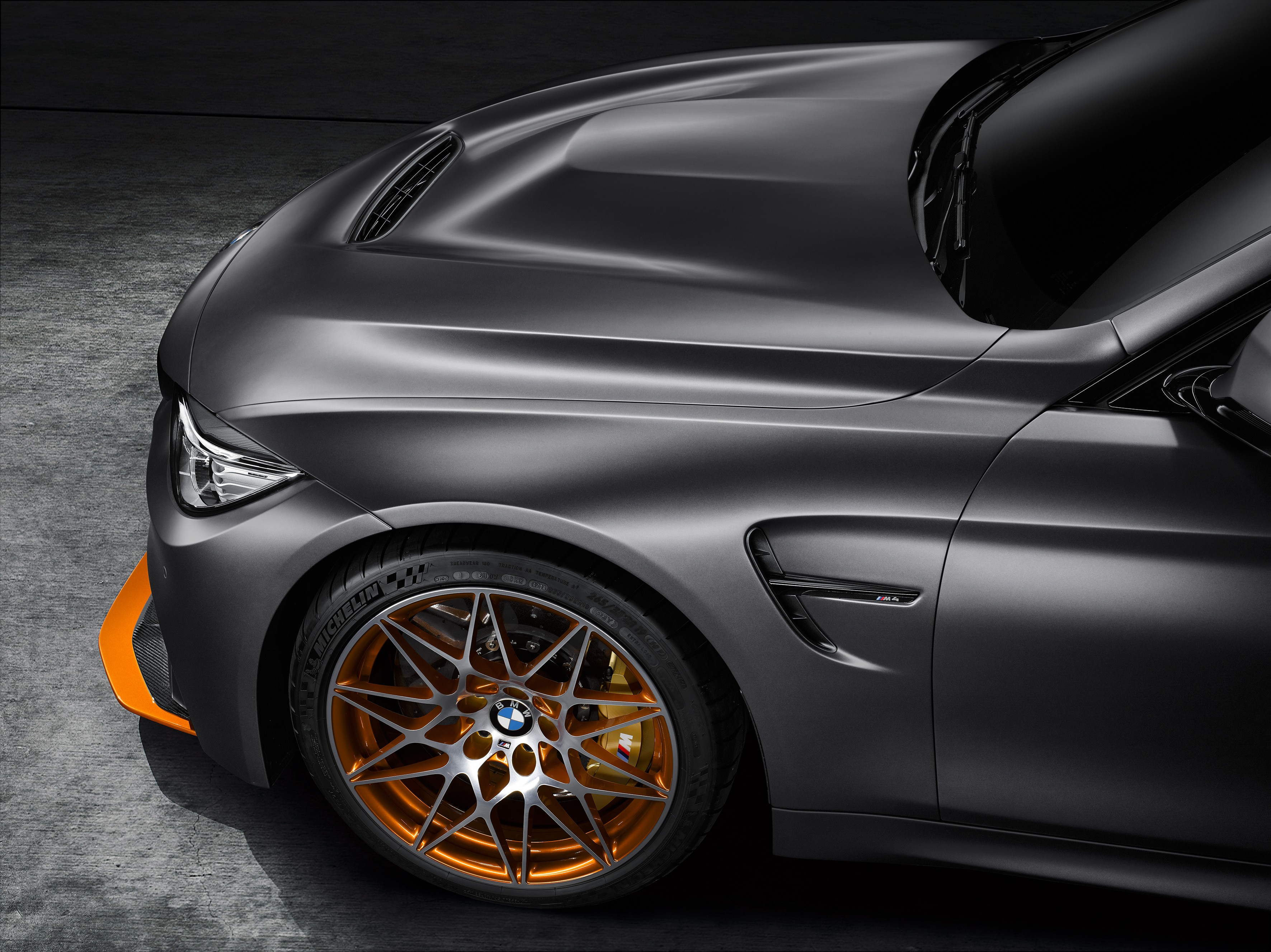 bmw-concept-m4-gts-makes-world-debut-at-pebble-beach-with-oled-lighting-photo-gallery_8